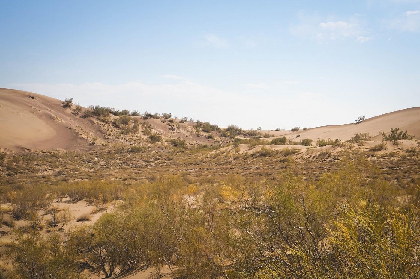 kazakhstan - desert trip - singing dunes