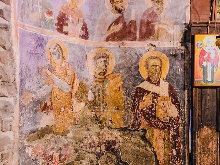 Biserica Densuș - Icoanele Fără Ochi din Hațeg @dariusroby.com